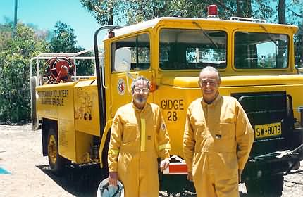 George Beamish and Charlie Miles with the Gidge 28 tanker (1990)